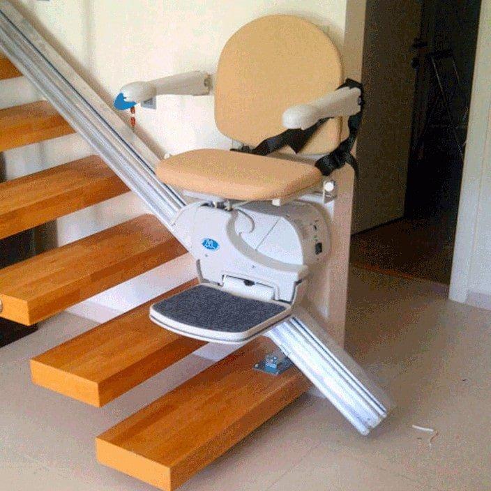 montascale a poltroncina handicare - modello 950 - scale di legno