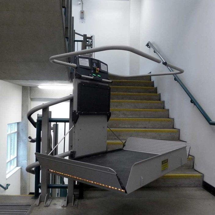 montascale per disabili modello artira